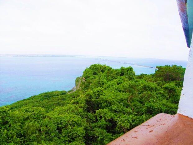 伊良部島の観光スポット「牧山展望台」