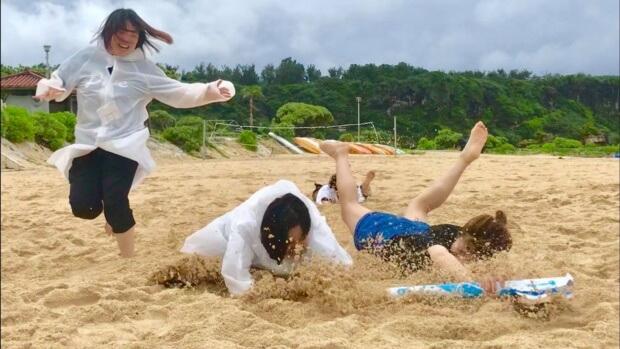 リゾートバイト交流会でビーチフラッグ!