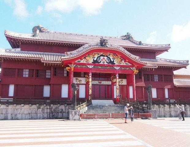沖縄旅行のおすすめスポットと費用/首里城