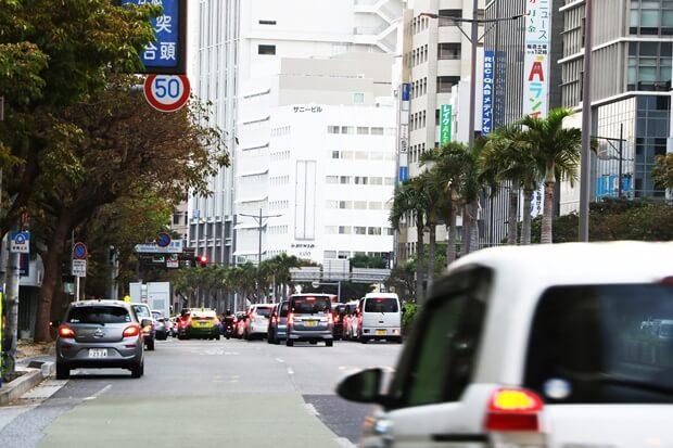 沖縄は車社会!車なしでも生活できる?