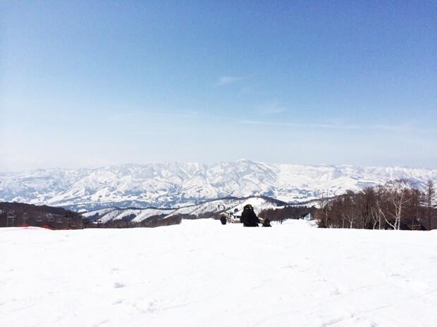 スキー場バイトでは滑れないって本当?